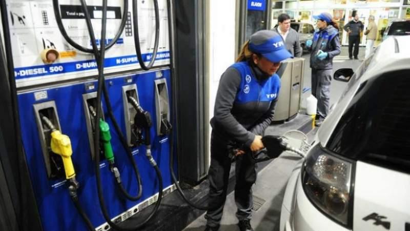 El Desayunador: aumento en combustibles, endurecen el cepo, cayó el empleo en Mendoza